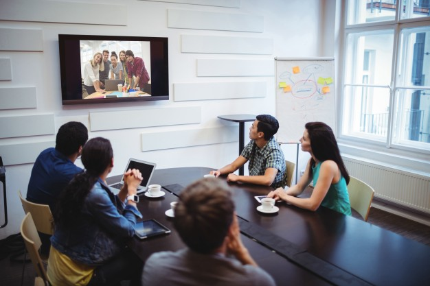 How to Improve Your Hybrid Meetings